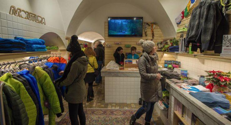 Inaugurato il nuovo store Montura Finalborgo con Adam Ondra 3