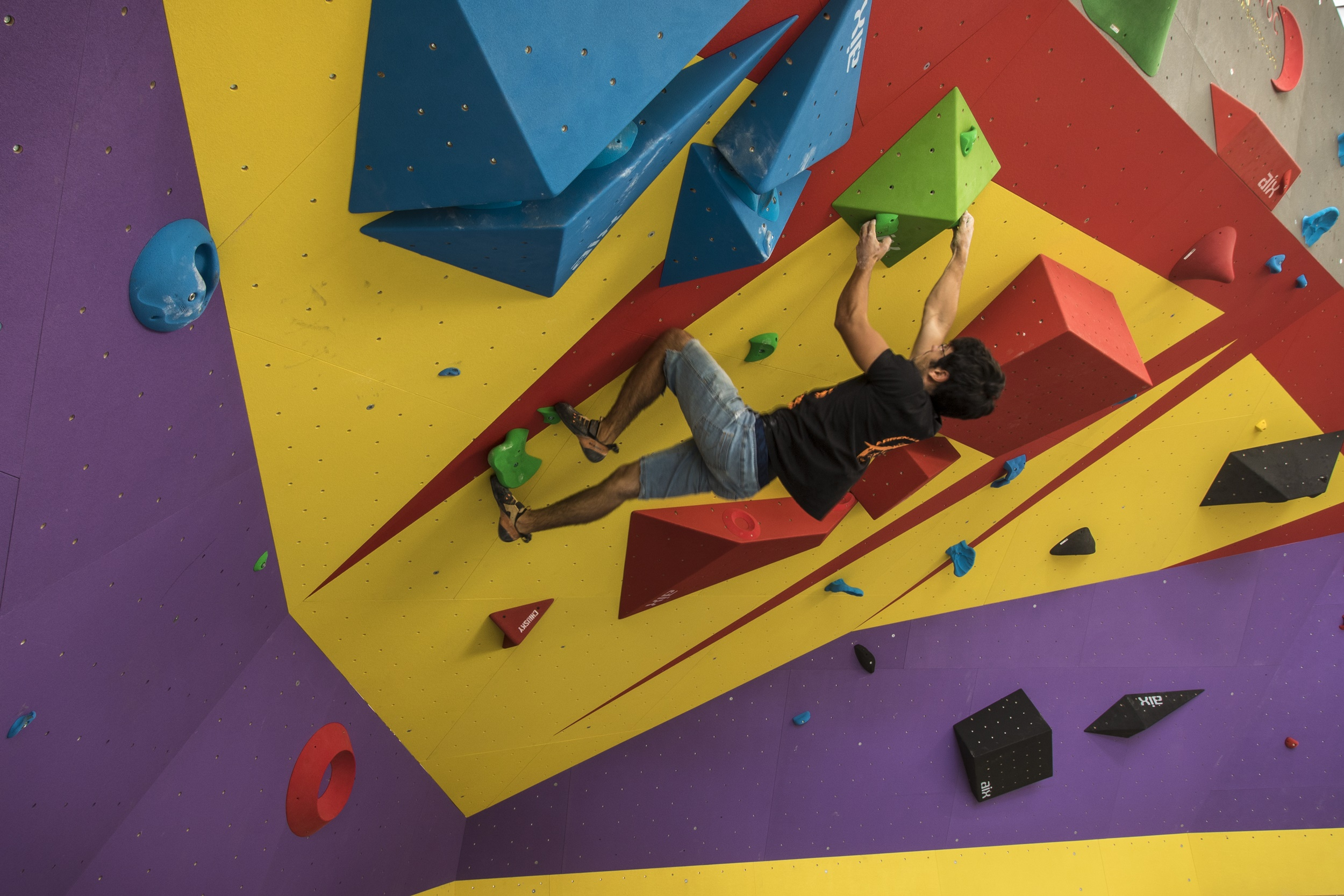 Scalare Pareti Milano : Apre a milano manga climbing center outdoor magazine